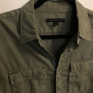 Men's M olive button down great condition